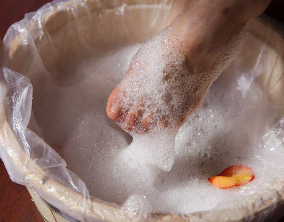 Ванночка с мыльной пеной от грибка